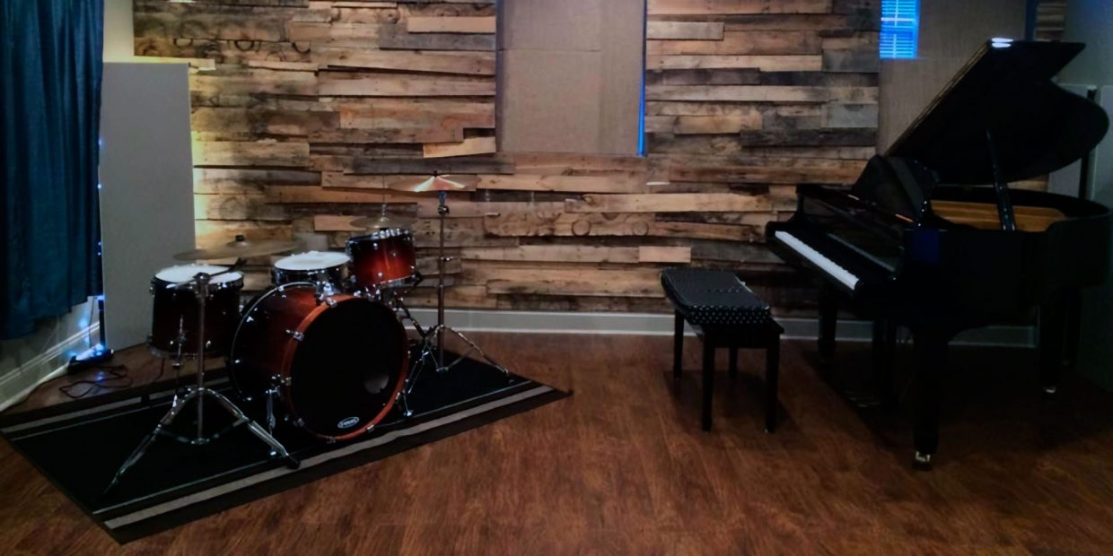 Types of Soundproofing Materials and How to Do It Yourself